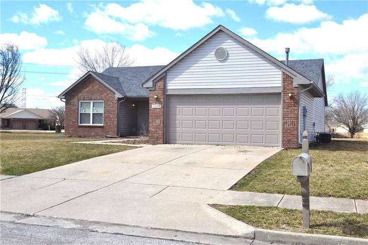 2244 Valley Creek West Lane Indianapolis, IN 46229 | MLS 21628637 | photo 2