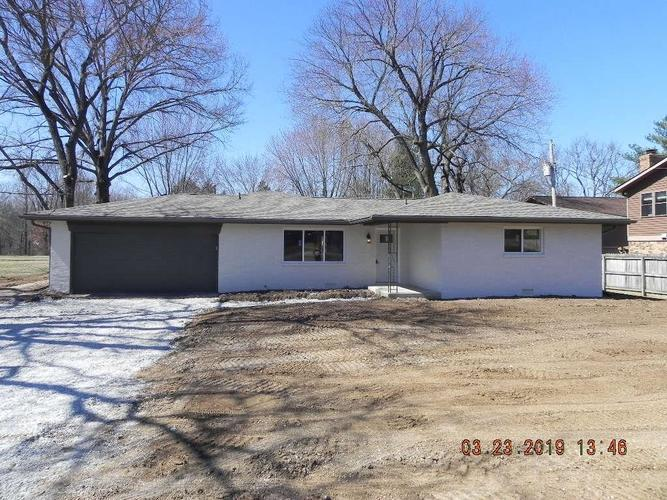734 N Peterman Road Greenwood, IN 46142 | MLS 21628707