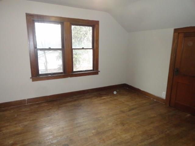 8202 E 10th Street Indianapolis, IN 46219 | MLS 21628715 | photo 10