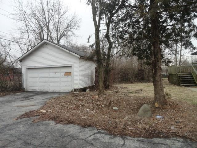 8202 E 10th Street Indianapolis, IN 46219 | MLS 21628715 | photo 15