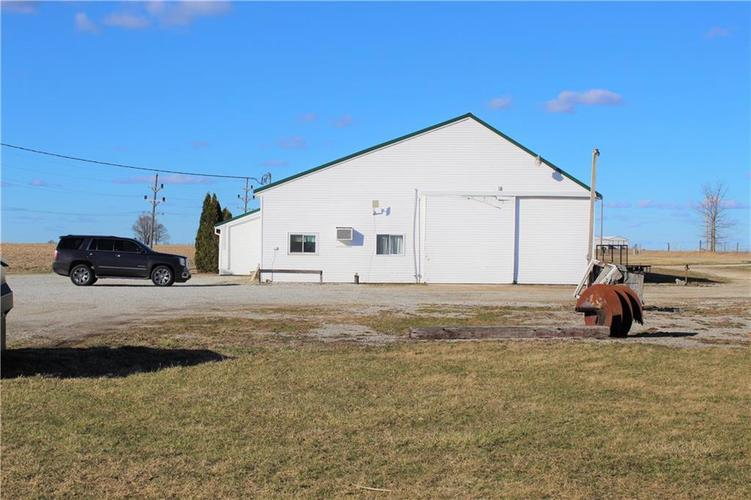 7088 N State Road 3 Highway Milroy, IN 46156 | MLS 21628780 | photo 4