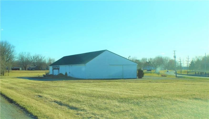 7088 N State Road 3 Highway Milroy, IN 46156 | MLS 21628780 | photo 5