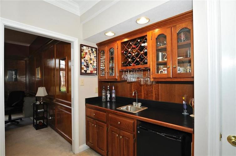 11363 Woods Bay Lane Indianapolis, IN 46236 | MLS 21629010 | photo 10