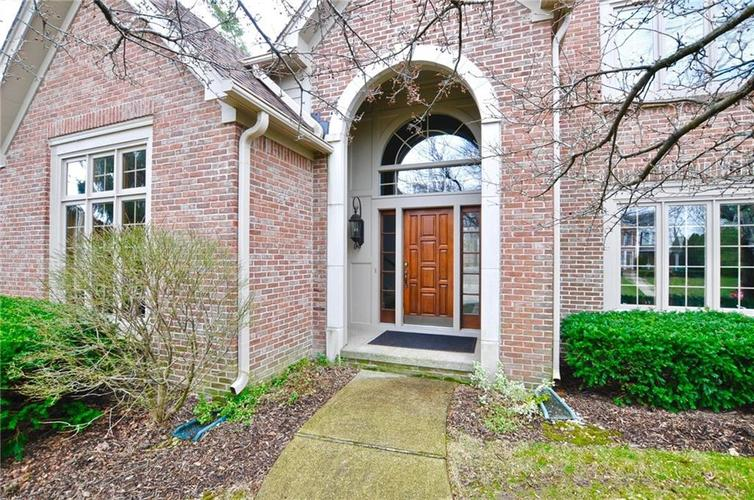 11363 Woods Bay Lane Indianapolis, IN 46236 | MLS 21629010 | photo 2
