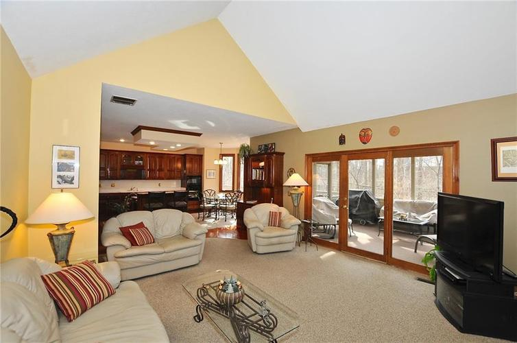 11363 Woods Bay Lane Indianapolis, IN 46236 | MLS 21629010 | photo 21