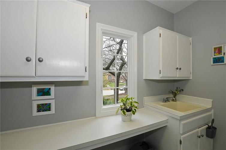 11363 Woods Bay Lane Indianapolis, IN 46236 | MLS 21629010 | photo 22