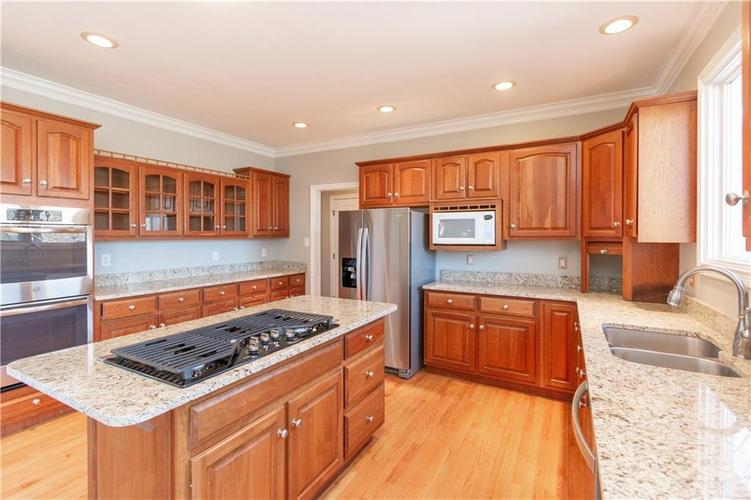 7320 ROYAL OAKLAND Drive Indianapolis, IN 46236 | MLS 21629034 | photo 11