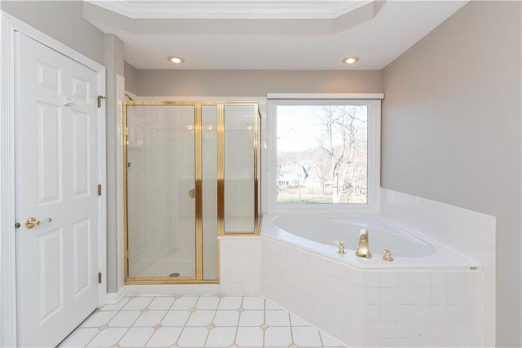 7320 ROYAL OAKLAND Drive Indianapolis, IN 46236 | MLS 21629034 | photo 17