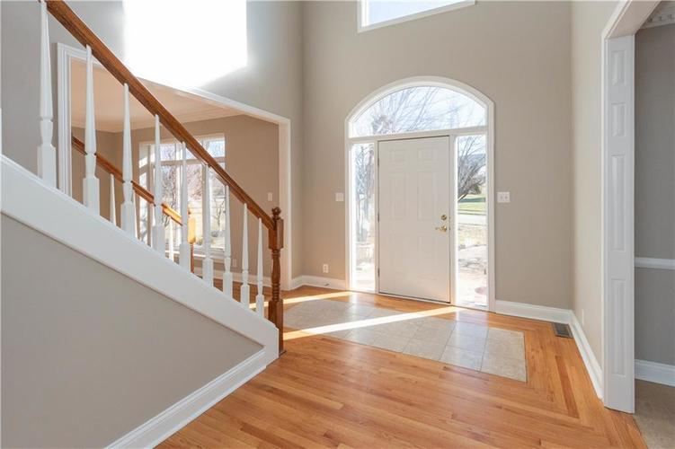 7320 ROYAL OAKLAND Drive Indianapolis, IN 46236 | MLS 21629034 | photo 3