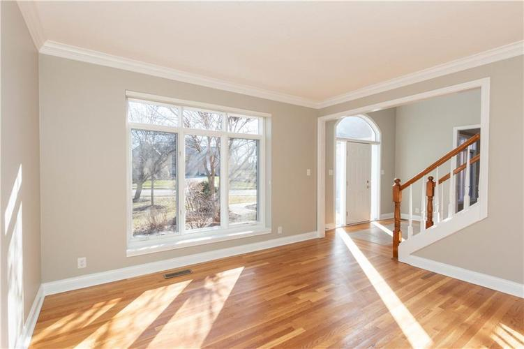 7320 ROYAL OAKLAND Drive Indianapolis, IN 46236 | MLS 21629034 | photo 4