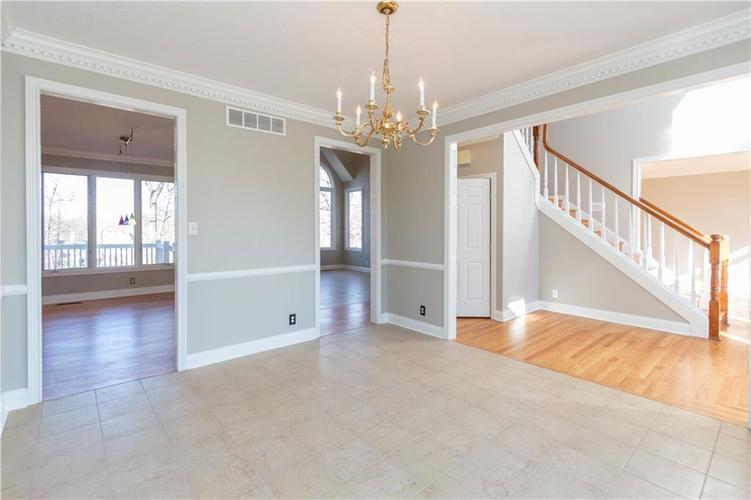 7320 ROYAL OAKLAND Drive Indianapolis, IN 46236 | MLS 21629034 | photo 6