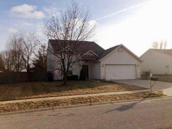 10701  Tanbark Drive Indianapolis, IN 46235 | MLS 21629200