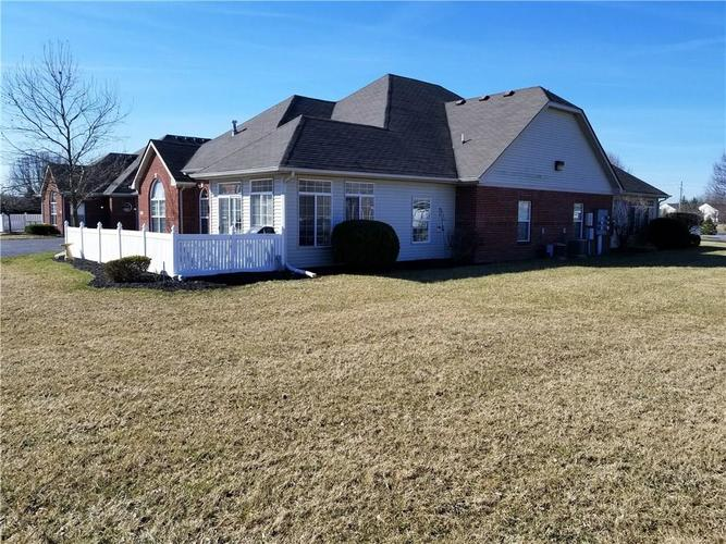 10322 GATEWAY Drive #7 Indianapolis, IN 46234   MLS 21629288   photo 1