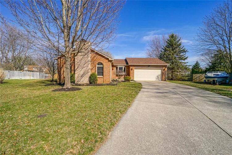 11516 OLD OAKLAND Circle Indianapolis, IN 46236   MLS 21629316   photo 2