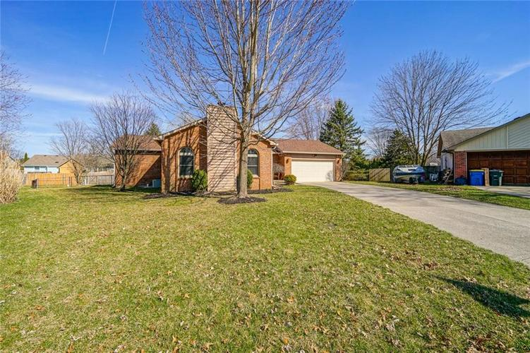 11516 OLD OAKLAND Circle Indianapolis, IN 46236   MLS 21629316   photo 3
