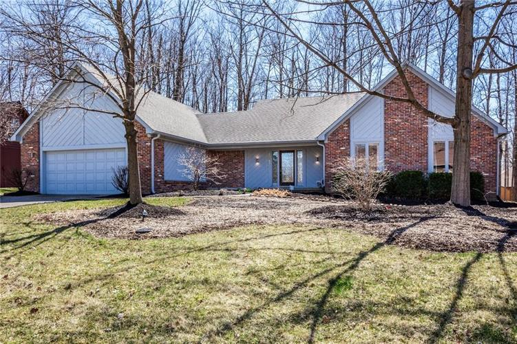 11583 Tidewater Drive S Indianapolis, IN 46236 | MLS 21629323 | photo 1