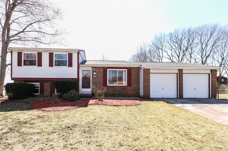 8733  Crestpointe Drive Indianapolis, IN 46234 | MLS 21629387