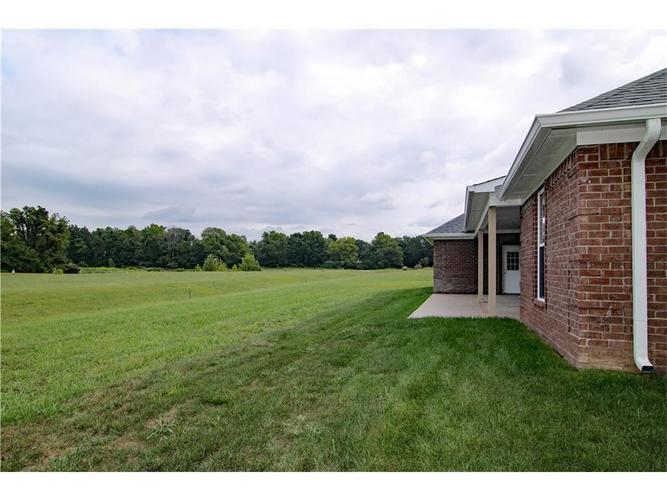4920 E Clearview Drive Mooresville, IN 46158 | MLS 21629392 | photo 3