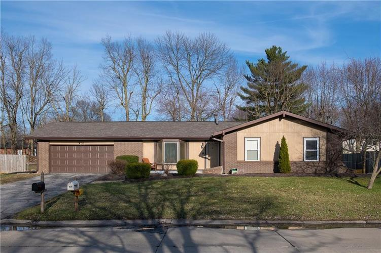 931  Wood Creek Place Greenwood, IN 46142 | MLS 21629545