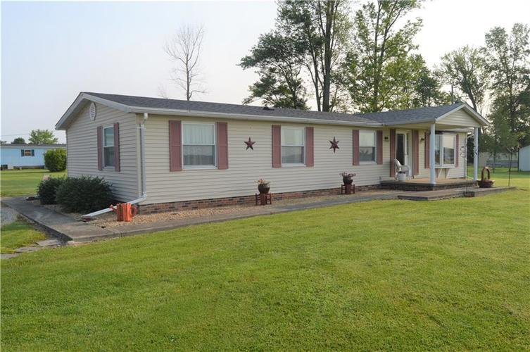 1488 W County Road 300 N Osgood, IN 47037 | MLS 21630135 | photo 2