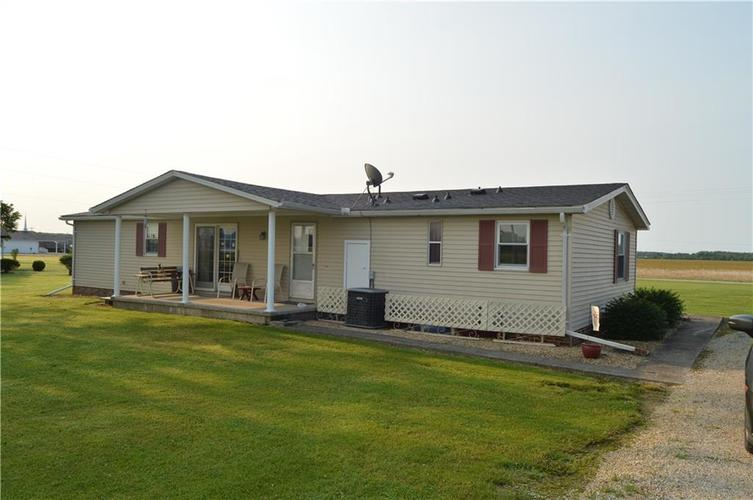 1488 W County Road 300 N Osgood, IN 47037 | MLS 21630135 | photo 3