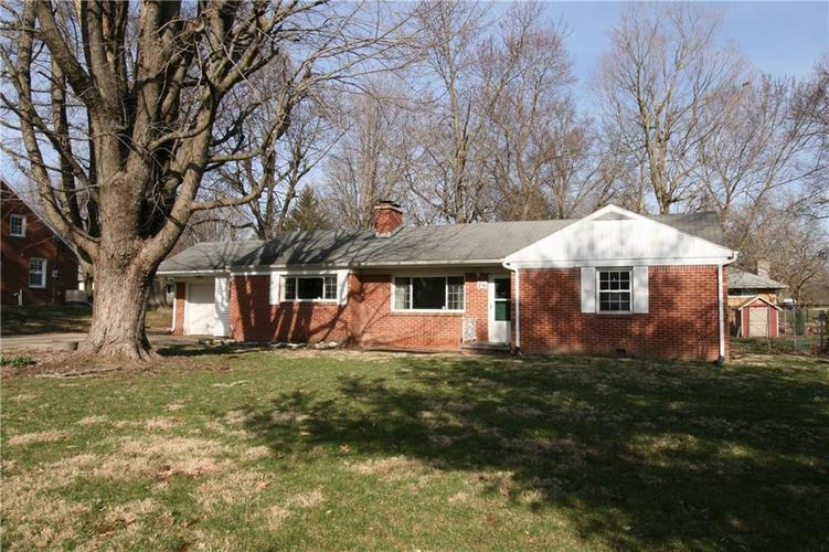 216 EDGEWOOD Drive Anderson, IN 46011 | MLS 21630204 | photo 2