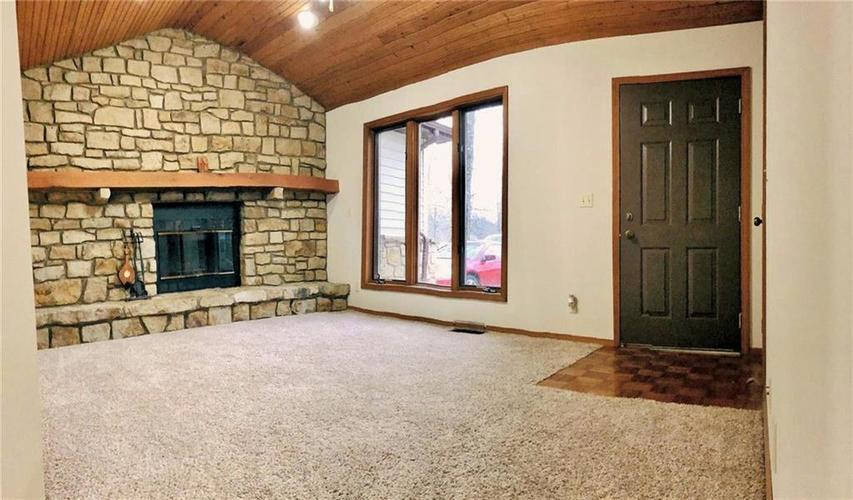 7690 N State Highway 7 Scipio, IN 47273 | MLS 21630440 | photo 3