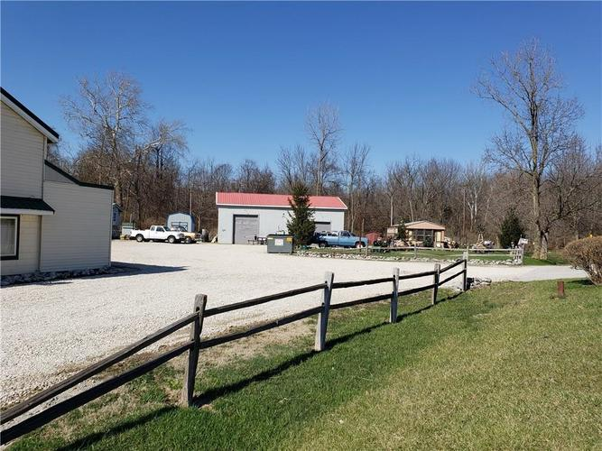 1614 W State Road 46 Greensburg, IN 47240   MLS 21630538   photo 4