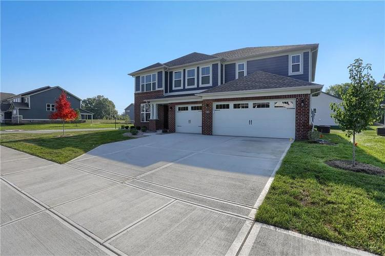 6907 Collisi Place Brownsburg, IN 46112 | MLS 21630703 | photo 1