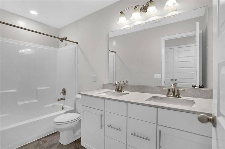 6907 Collisi Place Brownsburg, IN 46112 | MLS 21630703 | photo 24