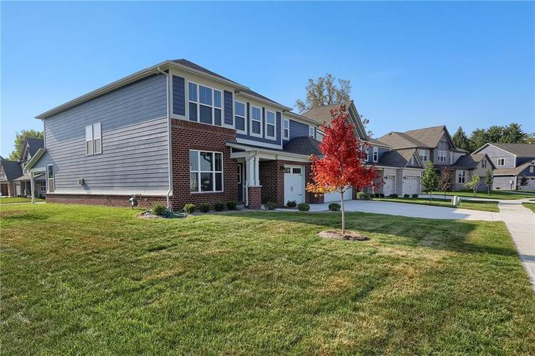 6907 Collisi Place Brownsburg, IN 46112 | MLS 21630703 | photo 3
