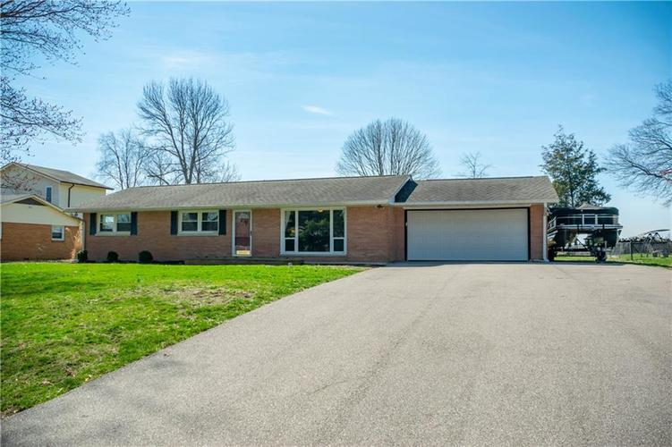 1550 S Highland Drive Franklin, IN 46131 | MLS 21630805
