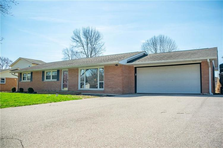 1550 S Highland Drive Franklin, IN 46131   MLS 21630805   photo 2