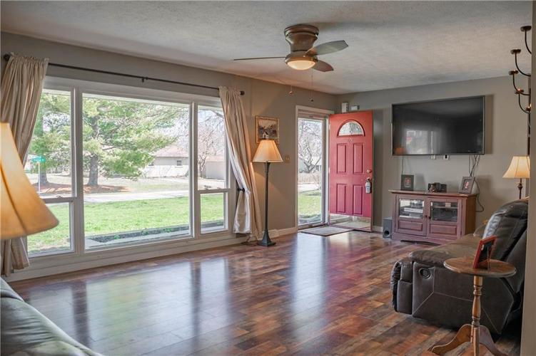 1550 S Highland Drive Franklin, IN 46131   MLS 21630805   photo 5