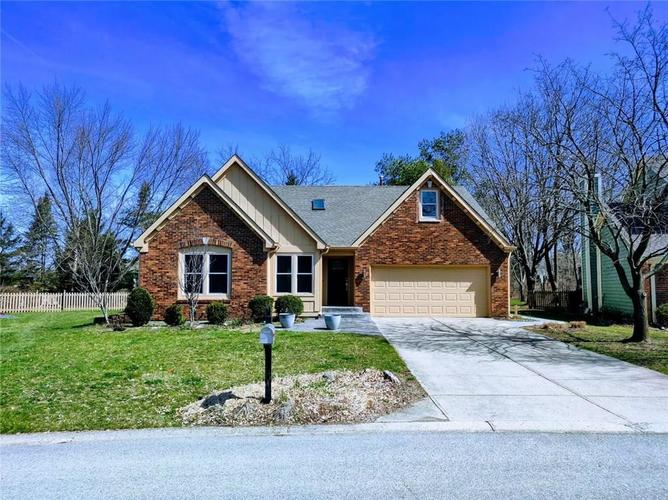 7679 PINESPRINGS E Drive Indianapolis, IN 46256 | MLS 21630868 | photo 1