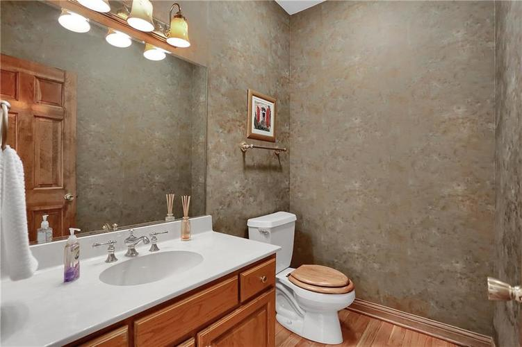 12041 Emerald Bluff Indianapolis, IN 46236 | MLS 21630912 | photo 18