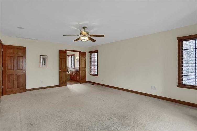 12041 Emerald Bluff Indianapolis, IN 46236 | MLS 21630912 | photo 20
