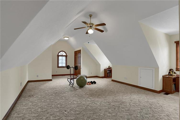 12041 Emerald Bluff Indianapolis, IN 46236 | MLS 21630912 | photo 29