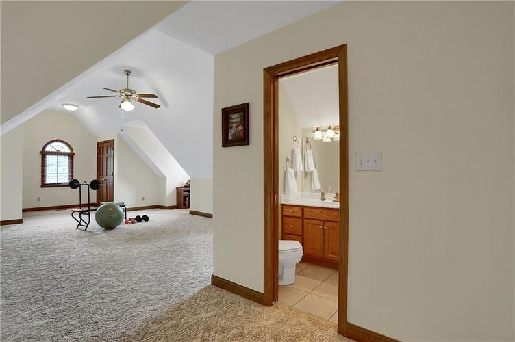 12041 Emerald Bluff Indianapolis, IN 46236 | MLS 21630912 | photo 30