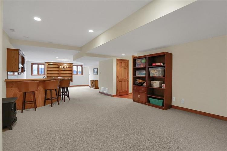12041 Emerald Bluff Indianapolis, IN 46236 | MLS 21630912 | photo 32