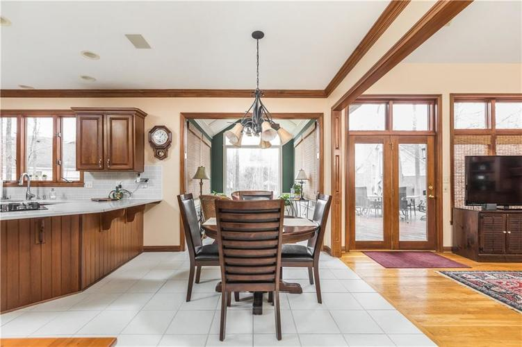 8845 OTTER COVE Circle Indianapolis, IN 46236 | MLS 21630941 | photo 10