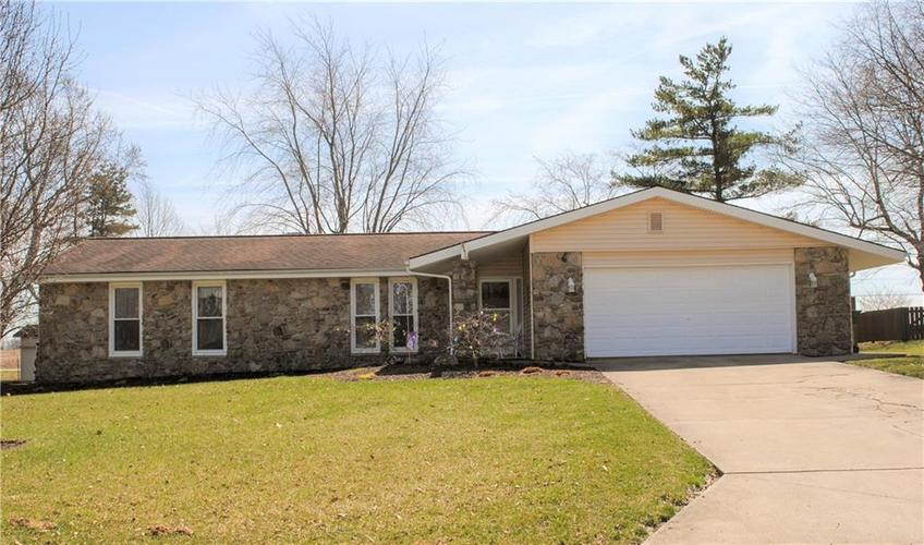 8114 N Santa Barbra Drive Muncie, IN 46303 | MLS 21631022