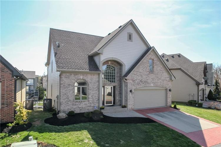 11252 BLACKWALNUT Point Indianapolis, IN 46236 | MLS 21631041 | photo 1