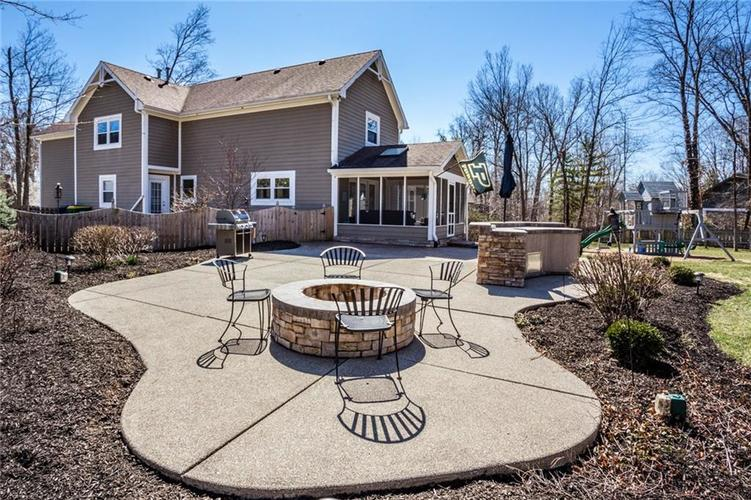 9690 Decatur Drive Indianapolis, IN 46256 | MLS 21631104 | photo 1