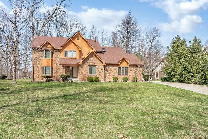 3220 Amherst Street Indianapolis IN 46268 | MLS 21631189 | photo 1