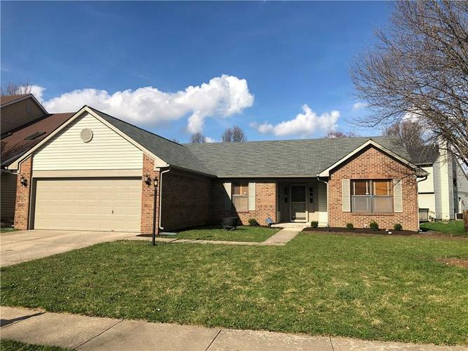5418 Old Barn Drive Indianapolis, IN 46268   MLS 21631416   photo 1