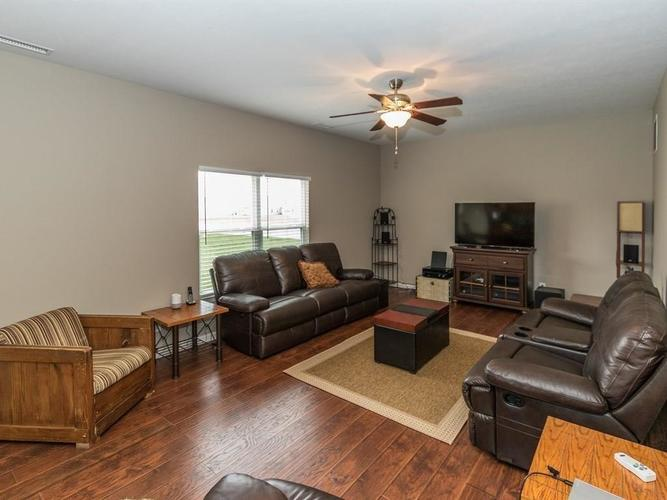 15183 Royal Grove Drive Noblesville, IN 46060 | MLS 21631418 | photo 11