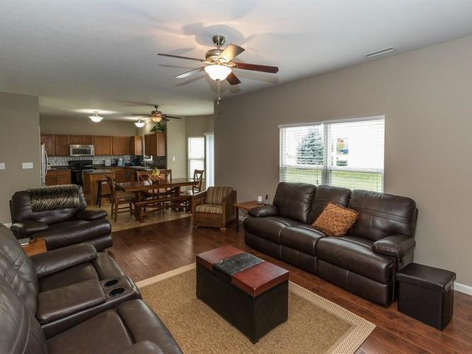 15183 Royal Grove Drive Noblesville, IN 46060 | MLS 21631418 | photo 12
