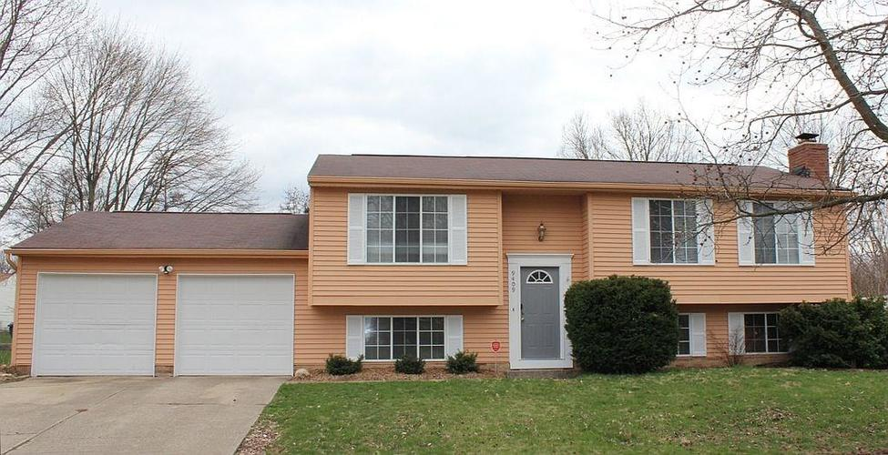 9409  Thornwood Drive Indianapolis, IN 46250 | MLS 21631434