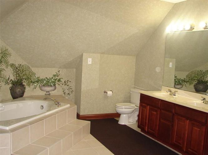 5605 STATION HILL Drive Avon, IN 46123 | MLS 21631451 | photo 26